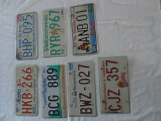 Lot of 7 original and used Canadian licence plates