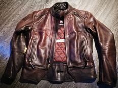 Leather motorcycle jacket, Motophoria