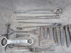 Lot of 21 cleaned forged hand tools