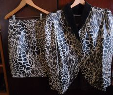 Rocco Barocco – Leopard print jacket and skirt.