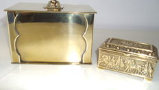 2 brass jewellery boxes-Roman scene-Italy-1st half 20th century.-2) brass rectangular box-