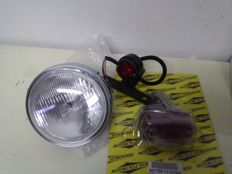 2x tail lights and 1x round headlight