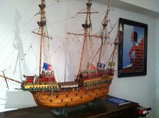 "Wooden scale model boat ""Great Harry"" 1540 with copper cannons."