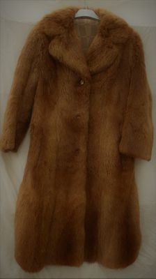 Coat in fox signed Chaussavoine France