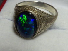 Silver ring with Australian opal triplet
