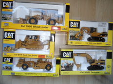 Norscot - Scale 1/50 - Lot with 5 models 5 x Caterpillars