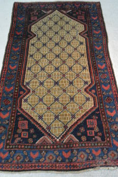 Beautiful Persian carpet 188 x 107cm. Middle of the 20th century