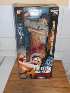 "The Texas Chainsaw Massacre - McFarlane Toys - 2001 - Movie Maniacs 4 - 18"" Figure - Leatherface"