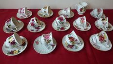 27 pieces, old English-porcelain cups with large roses, among other things, Old Foley James Kent, H Aynsley, Queen Anne, Queens, etc.