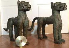 A pair of bronze African leopards - BENIN - Nigeria