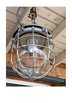 Great industrial cage light, basket light, industrial cage light, converted to 220V