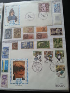 World - Collection of stamps and covers in a ringbinder and two folders