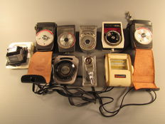 Lot of 7 light meters + accessories