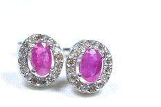 18 kt White gold earrings with 32 H/SI2 diamonds and oval rubies *** No reserve price ***
