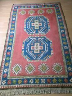 Very beautiful hand woven Turkish carpet Mila's/kazak in very good condition in size,163×251cm