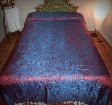 A spanish silk/cotton brocade bed spread - iriscent effect - Chinoiseries, Spain, first quarter 20th century