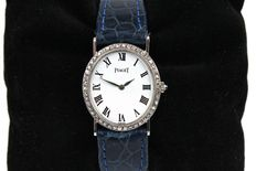 Piaget Classic – Women's wristwatch in 18 kt white gold with diamonds