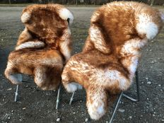 Lot consisting of two new - Mouflon flamed - cuddly, soft lamb fur / sheepskins.
