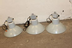 Polam Wilkasy – Industrial lights used, from military warehouses (3x)