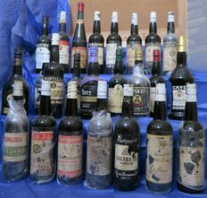 24 varied bottles collection viejos Jerez & Montilla-Moriles