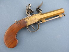 Queen Ann flintlock travel pistol 18th century