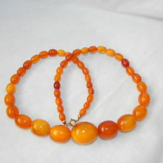 Amber olive necklace, amber butterscoth 35.78 g from estate