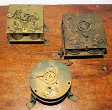 Lot of three antique French school clock movements – period 1860–1880