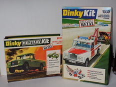 Dinky Toys (Military) Kit - Scale 1/43 - Lot with 2 x Land Rover Kit: Police tow truck No. 1030 and Army Land rover No. 1032