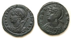 Lot of two commerative AE Coins from both Roman capital cities Rome and Constantinopolis / 332-333 AD