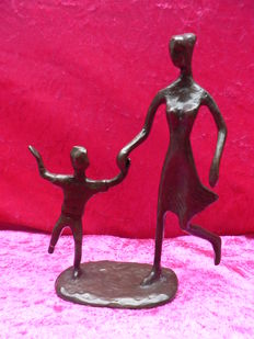 Bronze sculpture - mother and child