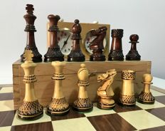 Club chess. Staunton 5 display pieces carved by hand.