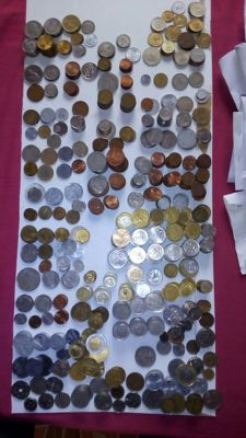 Mondo - 1046 coins from 27 different countries, different years and values