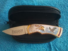 Franklin mint hunting knife with pouch /  collector's knife hunting knife with case