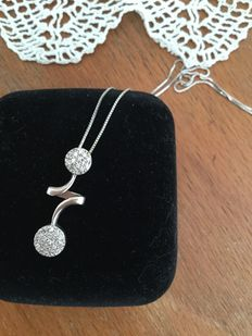 Necklace in 18 kt white gold – like new