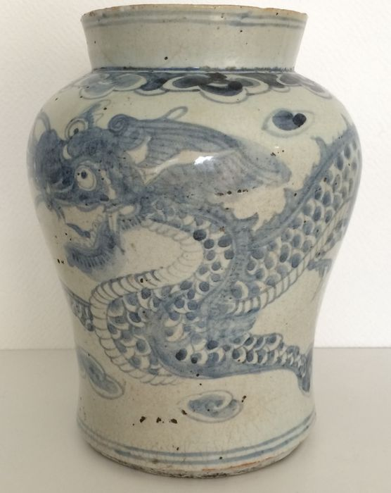 Superb And Rare Korean Middle Joseon Porcelain Dragon Vase
