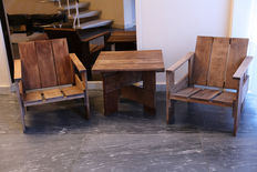Gerrit T. Rietveld by Cassina - Set of 2 crate chairs and a crate table