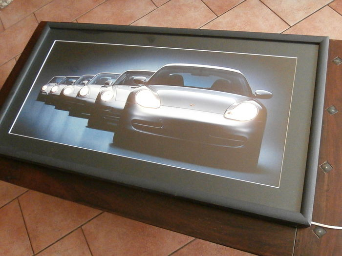 Porsche 911, Artwork in frame, with light