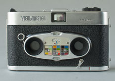 View-Master stereo photography: Camera, film cutter, empty stereo reels and View-Master stereo Viewer, 1970s.
