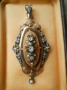 Beautiful Antique Large gold Pendant with old Cut Diamonds ad seed Pearls, Old French hallmarks, Paris I part of 19th century