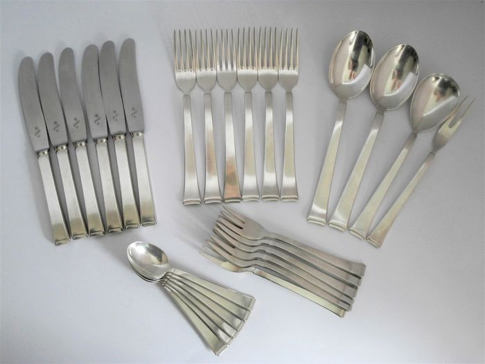 WMF 90 - silver plated Art Deco cutlery for 6 persons - 28 piece & WMF 90 - silver plated Art Deco cutlery for 6 persons - 28 piece ...