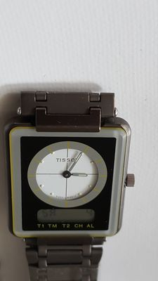 Watch – Tissot – D371661C model – For ladies – Year?