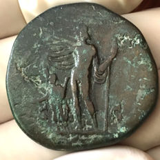 Roman Empire - Commodus 177 - 192 AD. AE Sestertius/ Jupiter protecting the emperor.