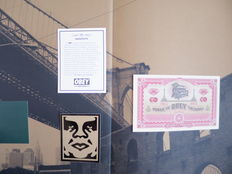 Shepard Fairey (OBEY) - E Pluribus venom - Book and bank note