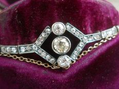 Art Deco gold and silver bracelet set with 1.60 ct old cut diamonds