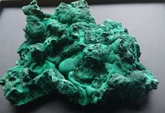 Malachite - 190 x 170 x 80 mm - 1475gm