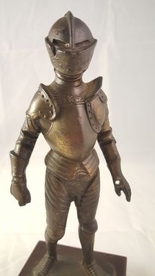 "Bronze figurine of a ""Medieval armour"" - Italy - first half of 20th century"