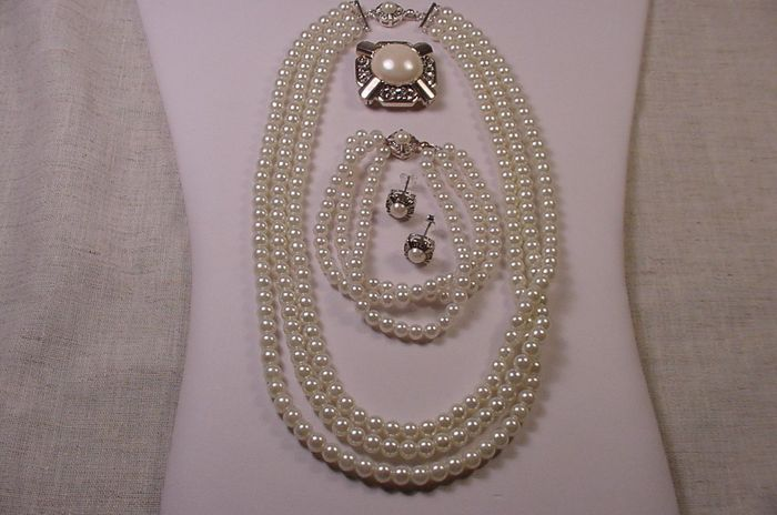 Franklin Mint - Jackie jewelry pearl collection set necklace bracelet brooch earrings