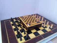 Marquetry chess plus box for cards - Artegran 1956