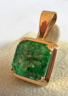 New 14K Yellow Gold Pendant with 6.00 ct Certified Natural Green Emerald, Octagon Shaped