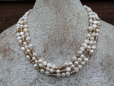 Monet pearl necklace with box
